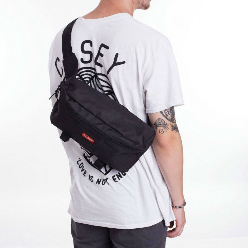 GLOBE BAR SHOULDER PACK
